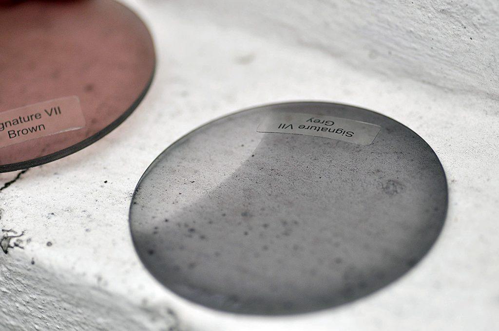 fotochromy szkła fotochromowe okulary