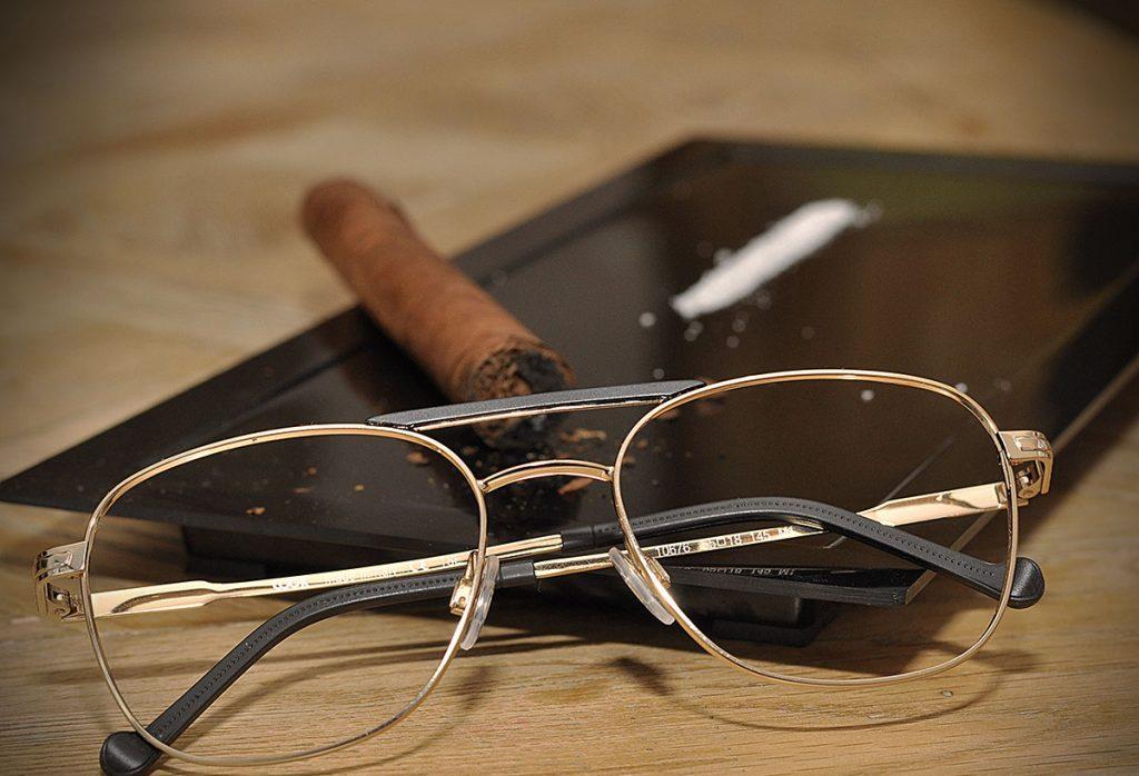 okulary cygaro kokaina