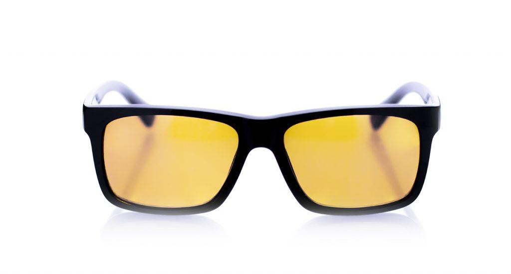 zolta powloka soczewki okularowej